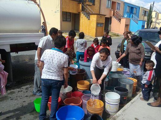 Restablecen servicio de agua potable en colonas de Apizaco