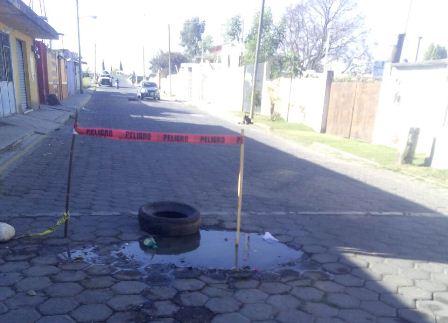 Se quejan vecinos por aguas negras en Zacatelco