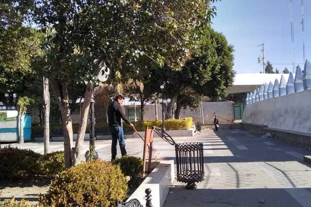 Ayuntamiento de Xiloxoxtla realiza acciones de limpieza en el parque central