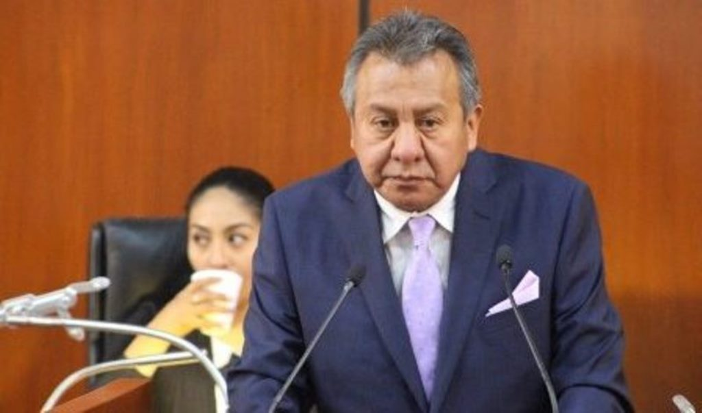 Ladrones volcaron en la Puebla-Tlaxcala tras asaltar casa de diputado en Papalotla