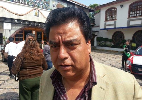 Cierran habitantes alcaldía de Totolac y acusan de ladrón al edil