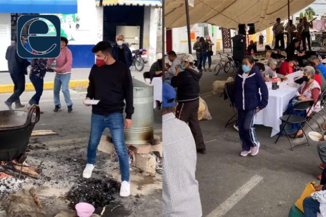 Políticos perdedores de Xicohtzinco convierten la carretera en salón de fiestas