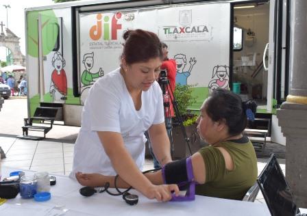 Ayuntamiento acercó unidad móvil de la salud a grupos vulnerables