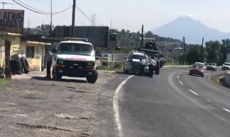 Malandros balacean a ambulancia en carretera de Tlaxcala