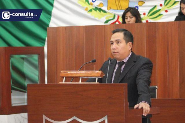 Diputado José María recibe amenazas por cambiar de bando político