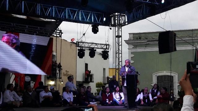 AMLO ratifica su fuerza en Tlaxcala al abarrotar el zócalo capitalino