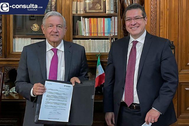 Marco Mena se reúne con AMLO; se adhiere al acuerdo nacional por la democracia