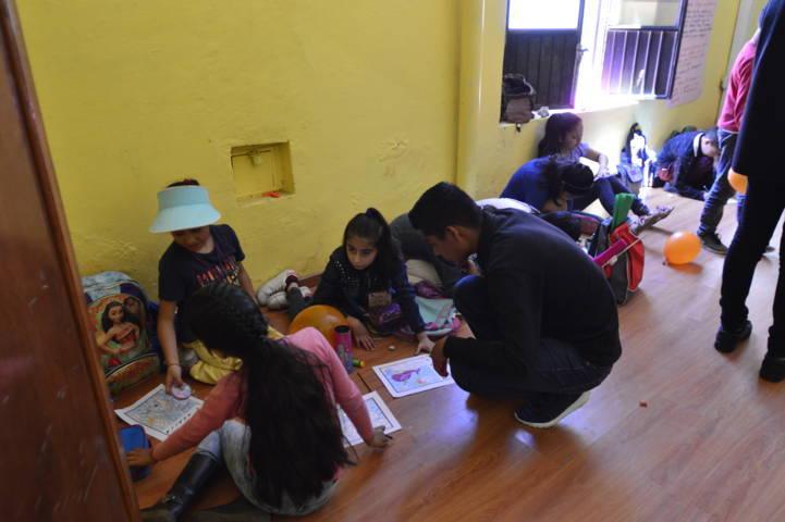 En estos cursos de verano los niños reciben pláticas sobre equidad de género