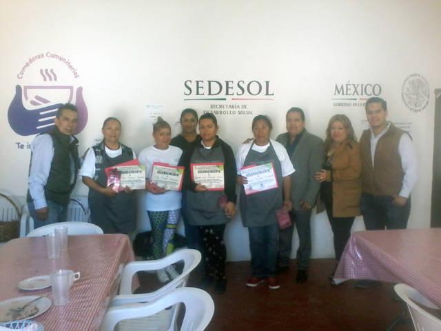 Carin Molina reconoce labor del voluntariado que atiende el Comedor Comunitario