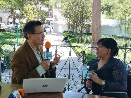 """Transmiten programa de radio """"Así lo dice La Mont"""" en la capital"""