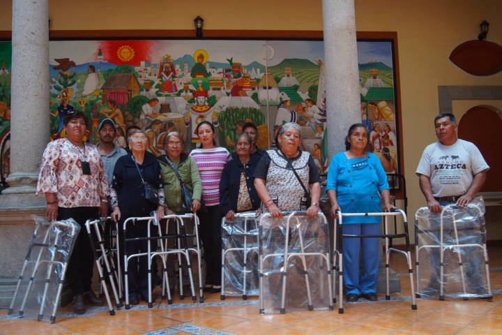 El DIF municipal entrega aparatos funcionales a personas vulnerables
