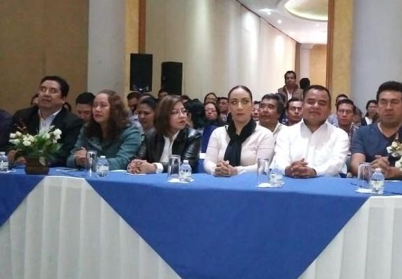 Se unen grupos panistas para ganar dirigencia y apoyan a Ángelo