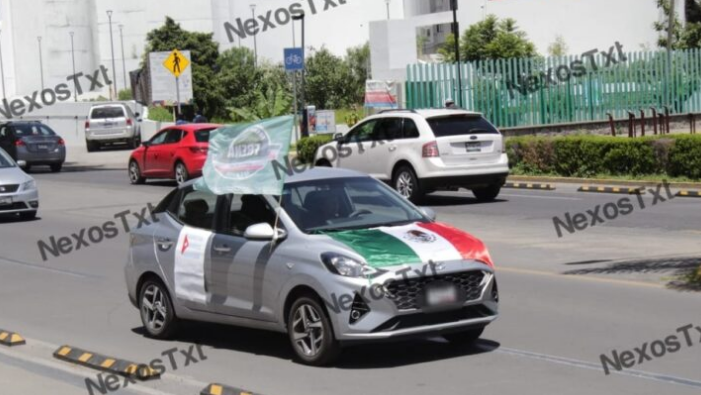 Deslucida caravana de FRENAA en Tlaxcala, ocho vehículos protestan contra Morena