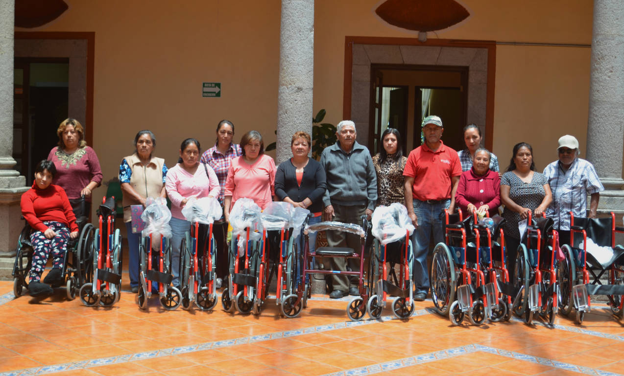 El SMDIF de Calpulalpan entregó aparatos funcionales a grupos vulnerables