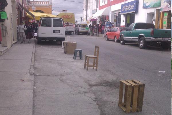 Ayuntamiento de Chiautempan exhorta a no apartar lugares en vía pública
