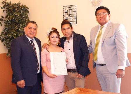 Reconoce Eloy Reyes al matrimonio como eje de la familia
