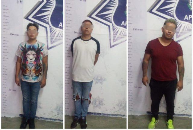 Oficiales de Apizaco aseguran a tres sujetos con arma de fuego