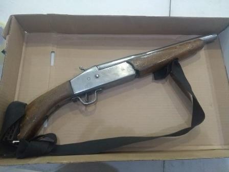 Policía de Apizaco asegura vehículo y arma de fuego
