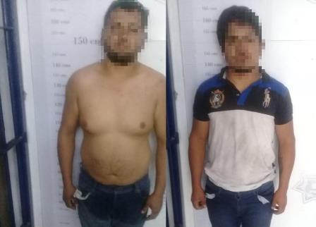 En persecución, asegura Policía de Apizaco a dos por arrollar a un oficial