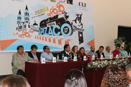 Presenta Julio Hernández cartel de Feria Apizaco 2017