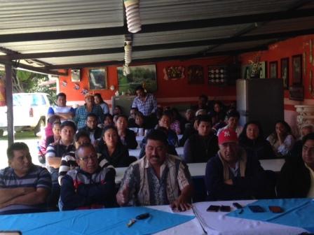 Ciudadanos respaldan al ex alcalde panista de Zacatelco