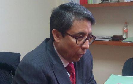 Amaga Arévalo con sancionar a diputados por faltistas