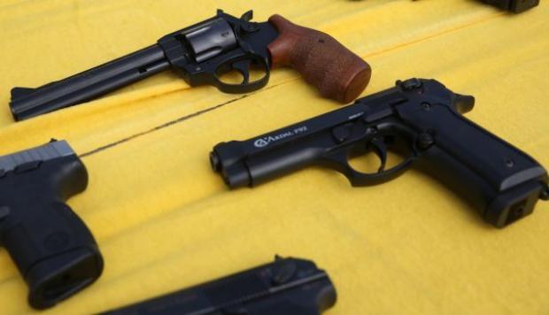 A proceso cuatro hombres por portar armas y cartuchos