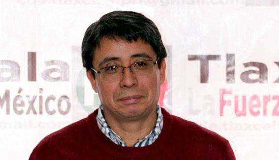 Achichincle visita a líder nacional del PT para acusar a diputados locales