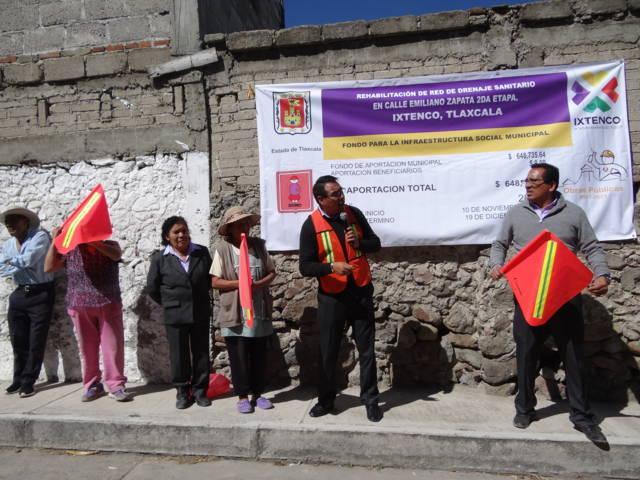 Dan banderazo de inicio a obra de rehabilitación de red de drenaje sanitario en Ixtenco