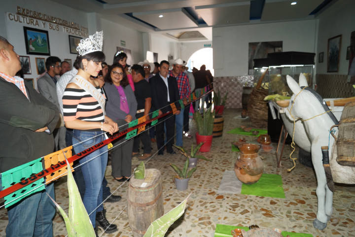 En el marco de la Feria de Todos fue inaugurado el pabellón del pulque y el artesanal