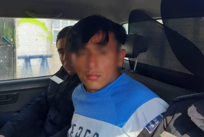 Detiene policía capitalina a asaltante de tiendas Oxxo