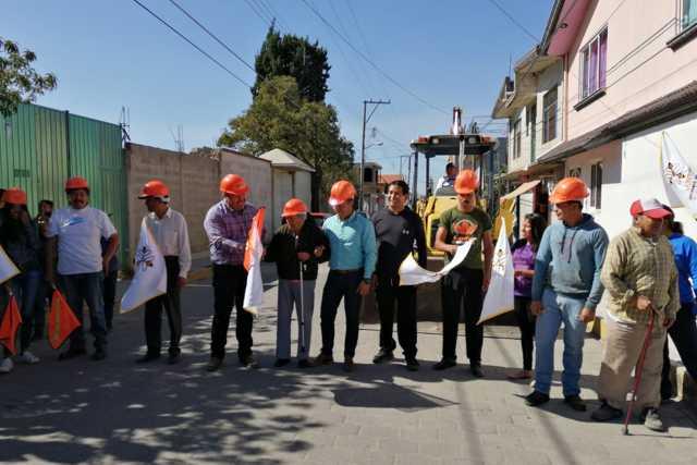 Badillo Jaramillo da el banderazo para rehabilitación de la calle Cuauhtémoc