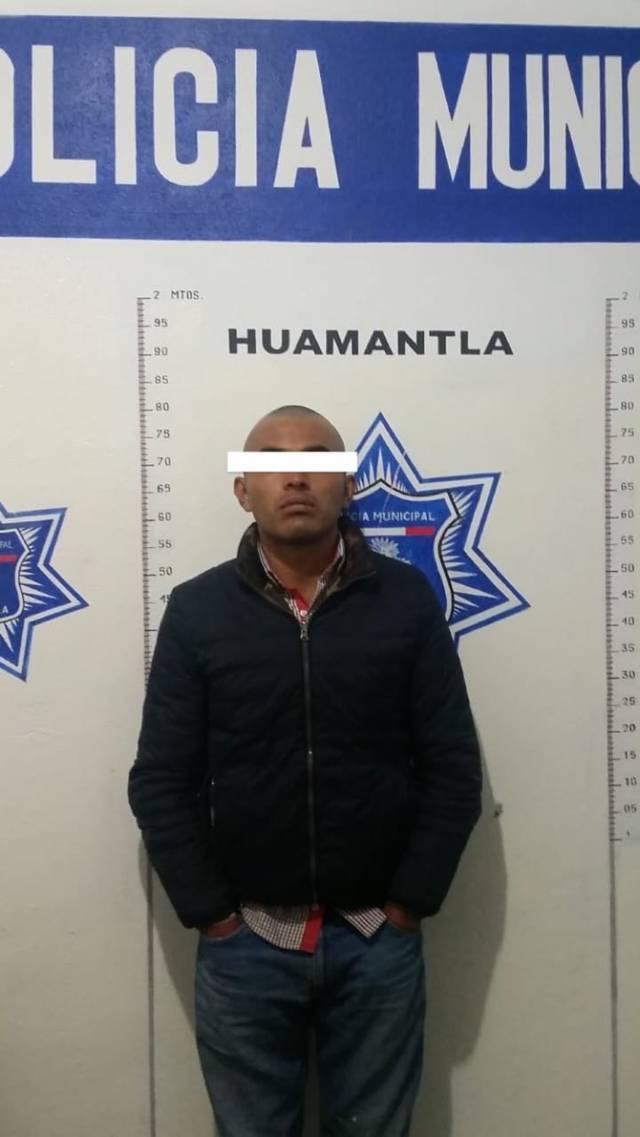 Policía municipal en persecución aseguran a presuntos asaltantes de trasporte público