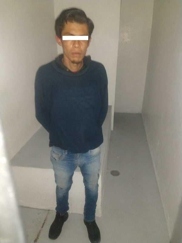 Detenidos dos hombres en flagrancia por robo de cable a lámparas de alumbrado público