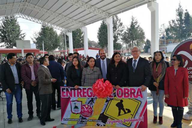 500 alumnos de Santa Cruz Tlaxcala se benefician con nueva techumbre