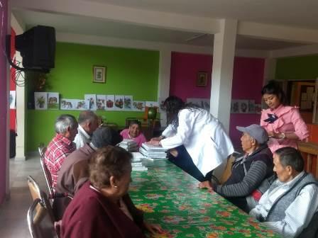 El DIF municipal de Huamantla visita a los abuelitos del asilo