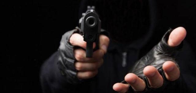 Roban con violencia unidad de Flecha Azul en Chiautempan