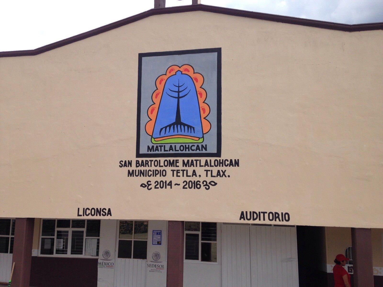 Rehabilitan los auditorios de Tetla