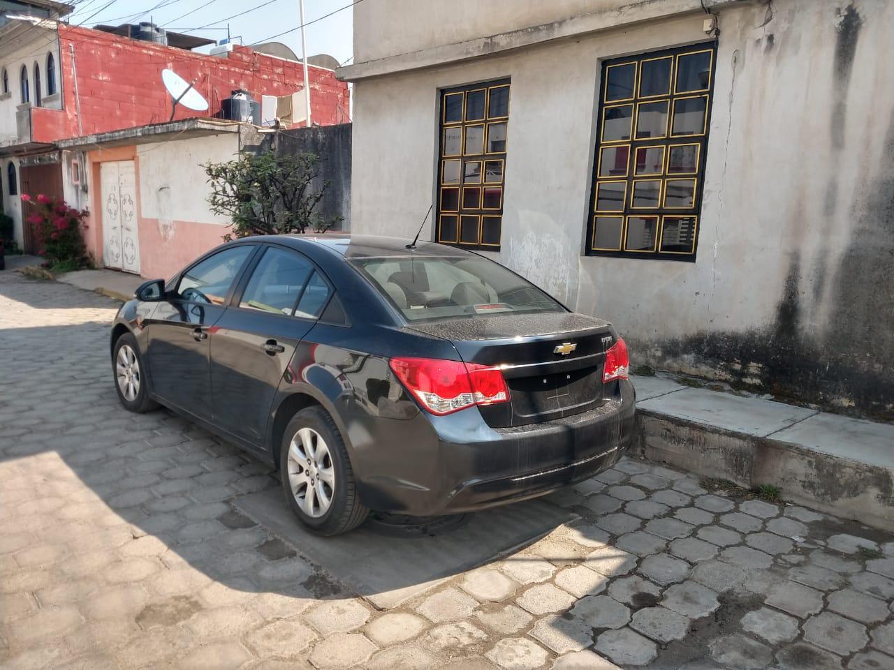 Operativo de seguridad da resultados recuperan vehículo con reporte de robo