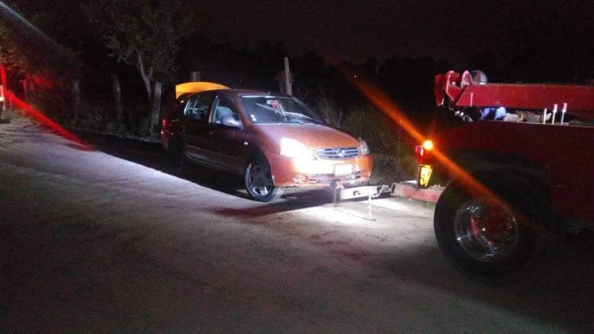 Recupera policía municipal vehículo a punto de ser desvalijado
