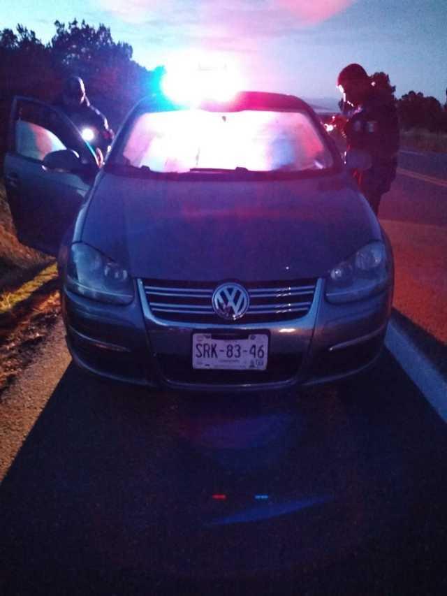 Detiene Policía de Tlaxco a dos narcomenudistas en Atotonilco