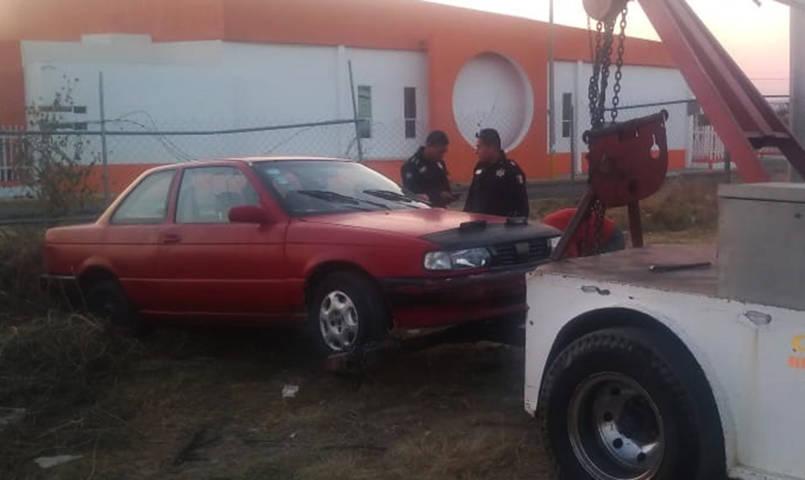 Gracias a Vecinos Vigilantes policía Capitalina recupera auto robado en Chiautempan