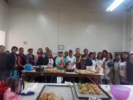 Brinda SMDIF Tlaxcala cursos de panadería de Día de Muertos