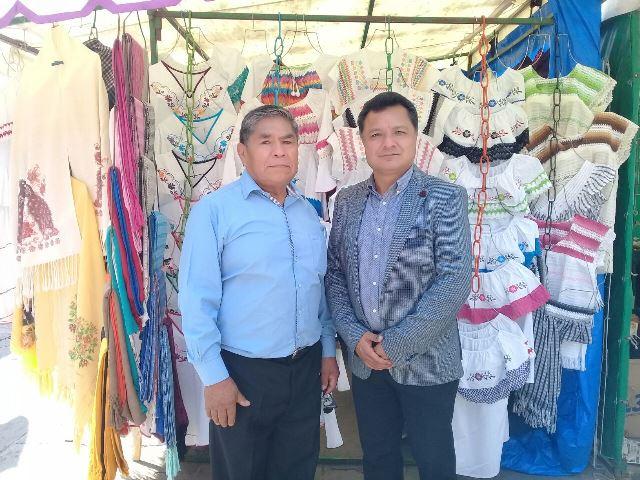 Celebran XXV aniversario del Bazar de sábados y domingos