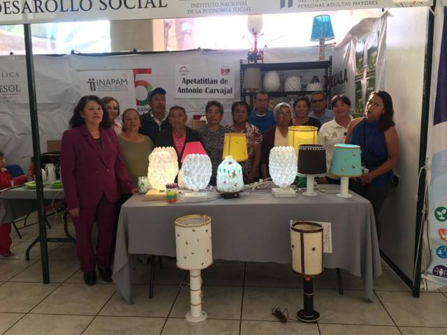 Participan adultos mayores de Apetatitlán en la Feria Tlaxcala 2018