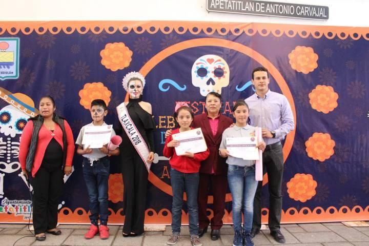 Rotundo Éxito en Apetatitlán Segundo Festival del Día de Muertos