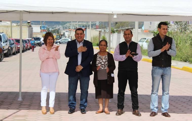 Inauguran obra de Pavimento de adoquín, en Apetatitlán