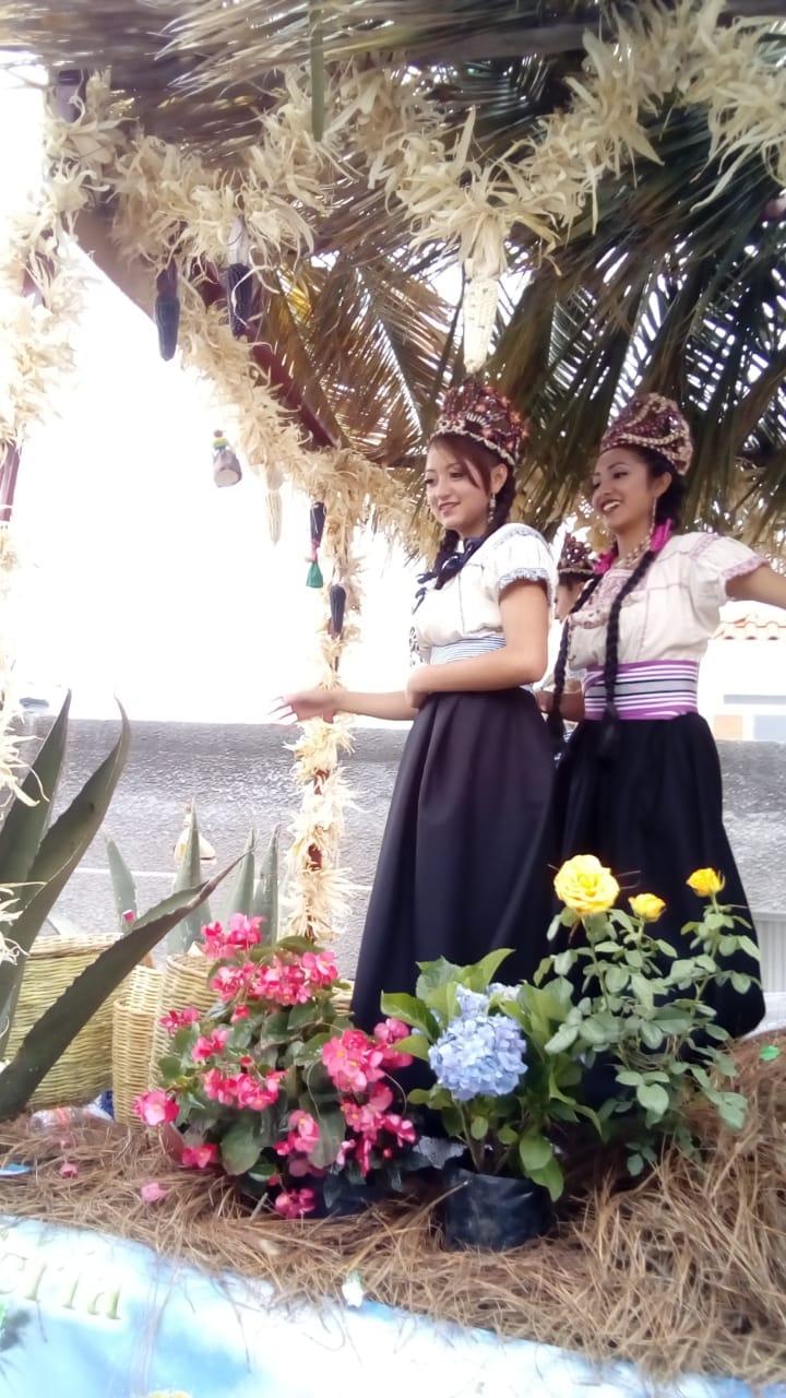 """En un ambiente familiar se lleva a cabo el desfile de feria """"Ixtenco 2018"""""""