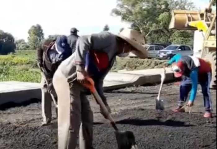 En marcha los trabajos de limpieza y aplicación de fresado en Ixtacuixtla
