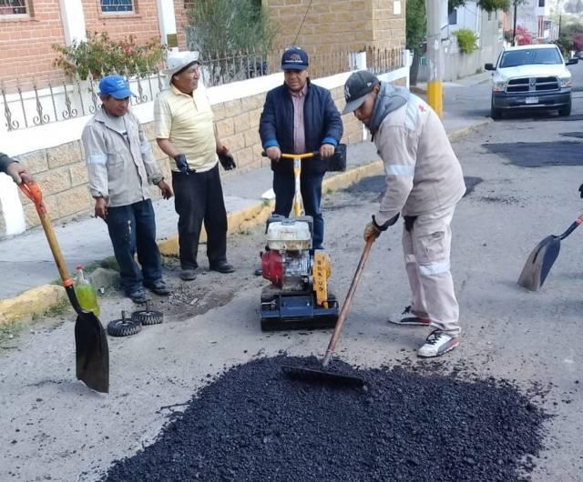 Aplican programa de bacheo en calles Rubí sur y Esmeralda de La Joya
